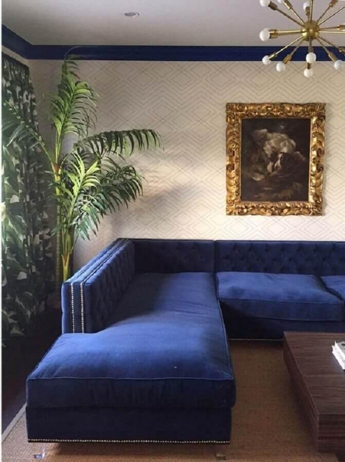 decoração sofisticada para sala com sofá azul marinho Foto Pinterest