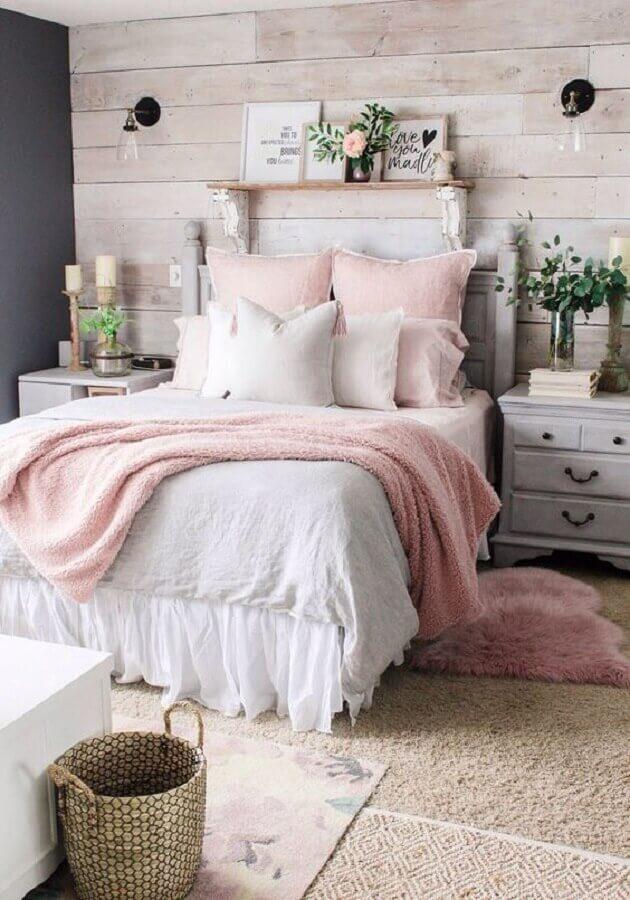 decoraçao romântica para quarto de solteiro feminino com parede revestida de madeira Foto We Heart It