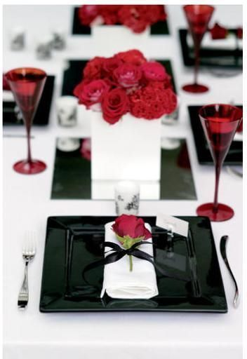 Jantar com decoração romântica e simples