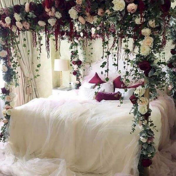 Quarto com flores para ter uma decoração romântica inesquecível