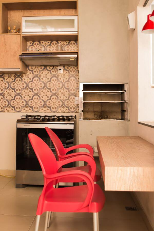 Cozinha com cantinha para churrasqueira