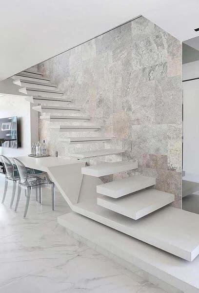 Contrate profissionais para aprender como fazer escada de concreto vazada