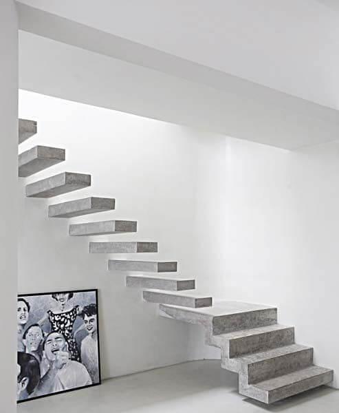 Escada vazada de concreto