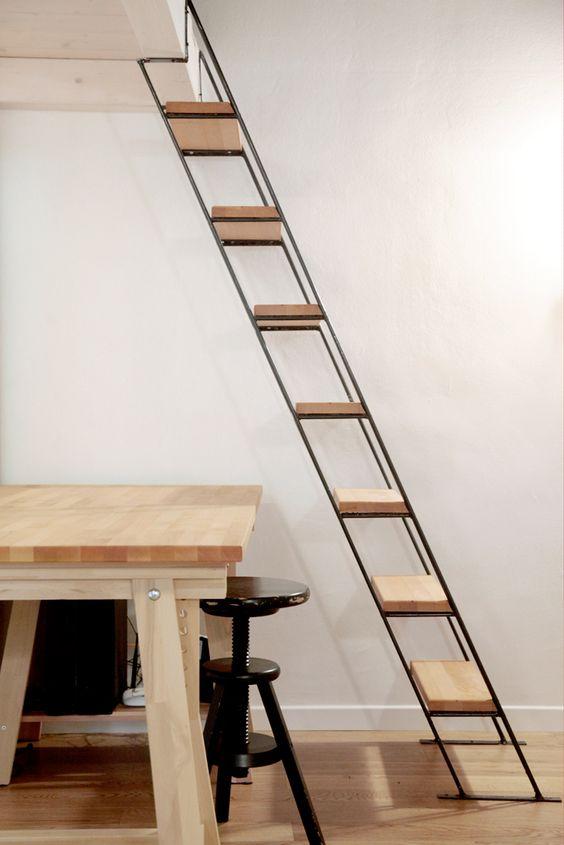 Escada de madeira e ferro