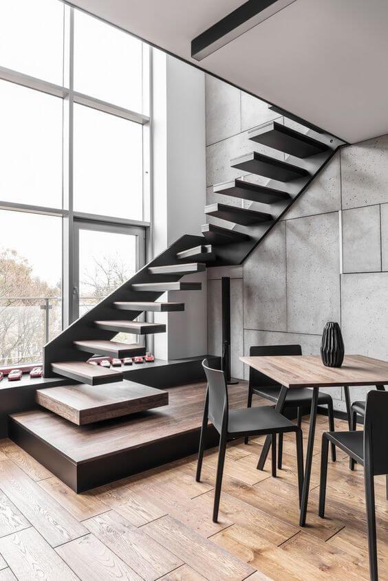Escada vazada em L