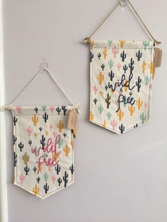 flamulas de parede feitas com retalhos de tecidos