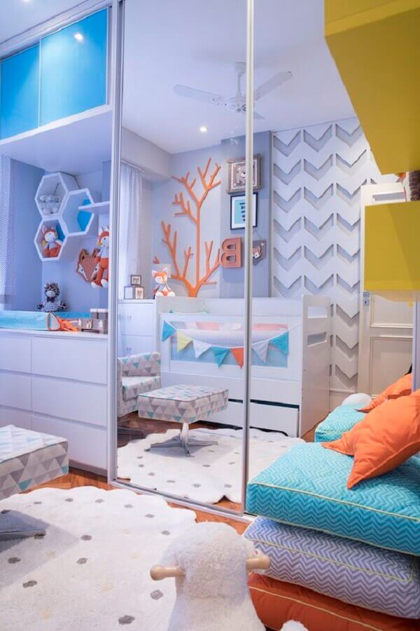 guarda roupa espelhado para quarto de bebê planejado Foto Webcomunica