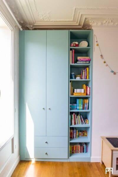 Guarda Roupa infantil azul com estante moderna