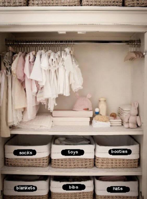 Guarda roupa infantil com caixas organizadoras