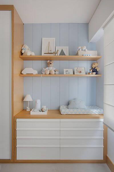 Guarda roupa infantil com cômoda branca
