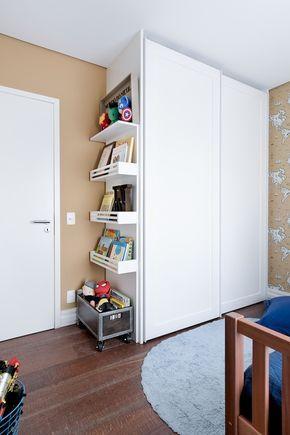 Guarda roupa infantil com porta de correr