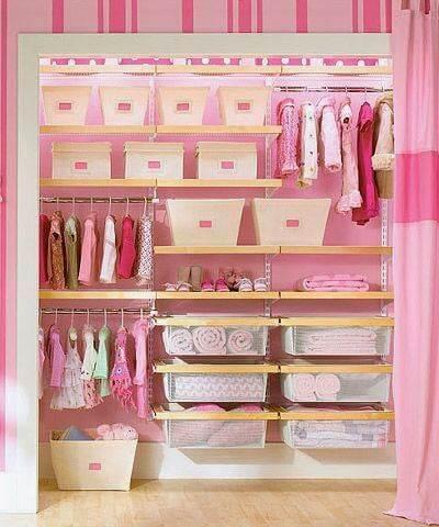 Guarda roupa infantil cor de rosa
