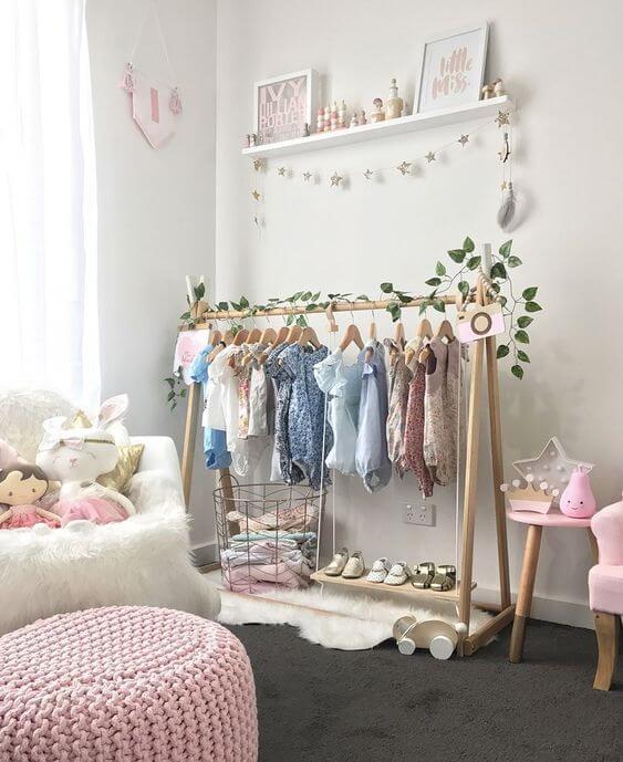 Guarda roupa infantil montessoriano