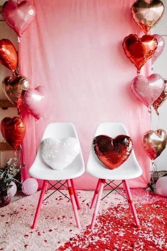 Decore sua casa com elementos românticos para surpreender seu amor