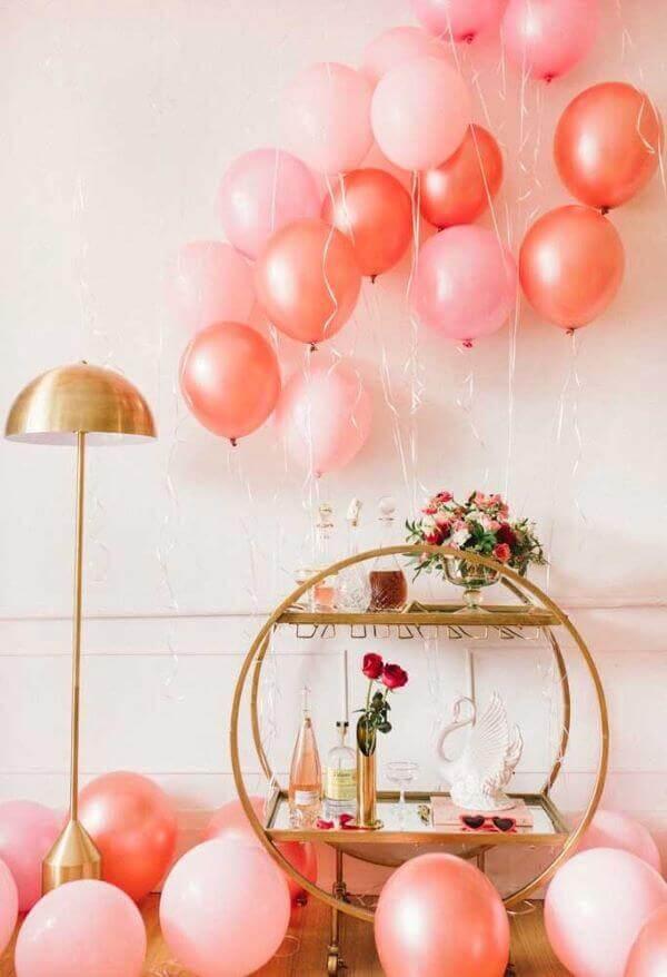 Balões na decoração romântica