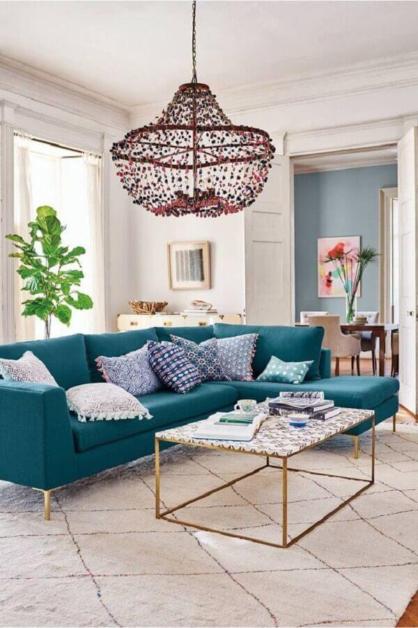 lustre grande para decoração de sala azul e branca Foto Pinterest