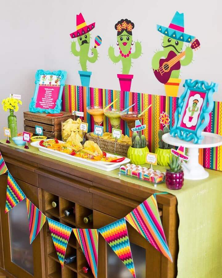 salty table for colorful mexican party Photo Bonfá Stuff