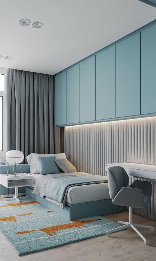 modelo de abajur diferente para decoração de quarto de solteiro azul e cinza Foto Pinterest