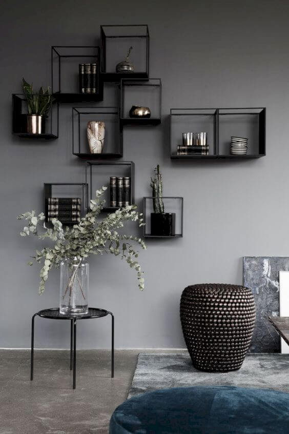 Móveis de ferro na sala de estar como nichos modernos