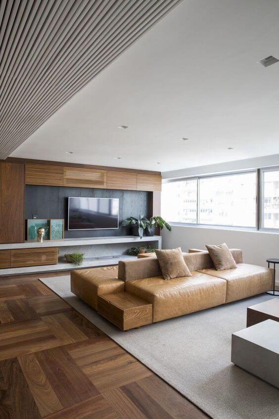 Porcelanato amadeirado escuro na sala moderna