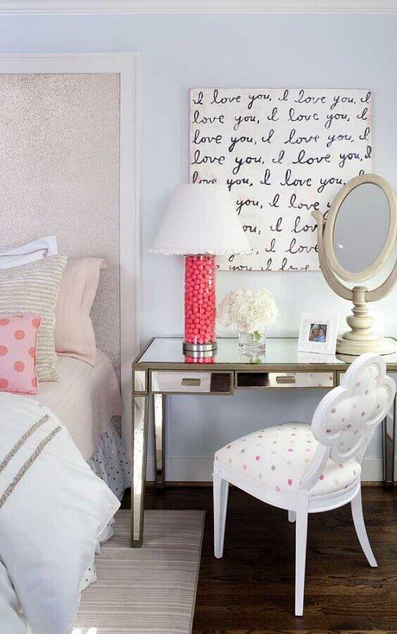 quarto feminino decorado com abajur rosa para escrivaninha espelhada Foto Houzz