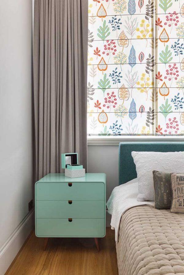 Aposte nas cortinas estampadas para um quarto divertido