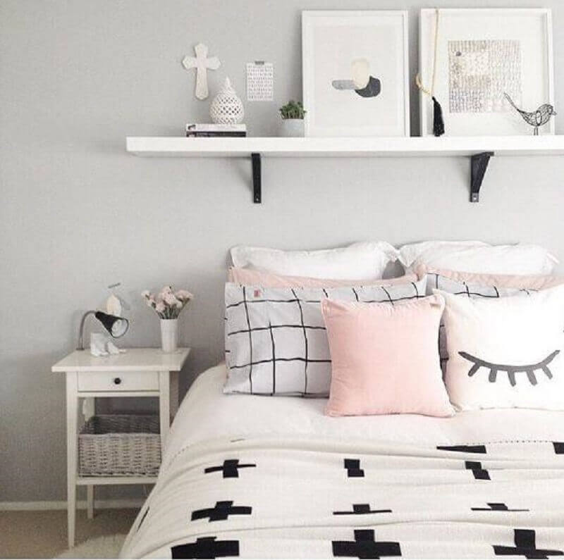 quartos bonitos tumblr decorado com várias almofadas Foto Pinterest