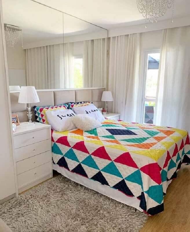 roupa de cama colorida para decoração de quarto de casal simples e bonito Foto Pinterest