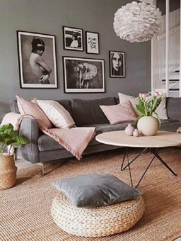 sala cinza decorada com tapete sisal Foto A Casa Delas