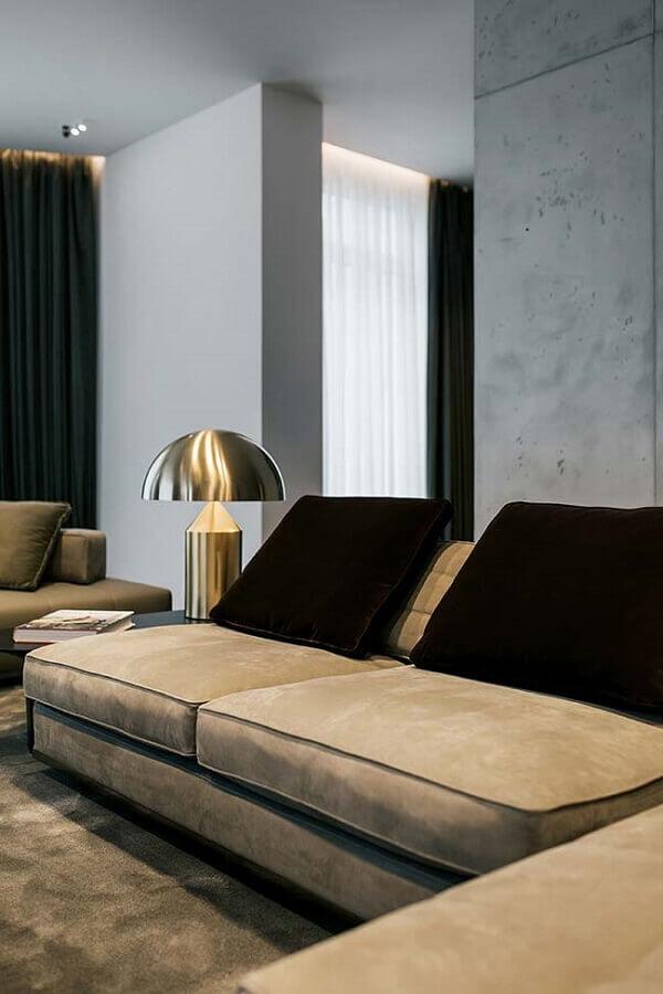 sala decorada com abajur dourado moderno Foto Behance