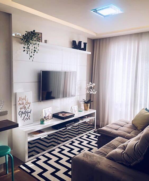 Sala moderna com cortineiro de gesso