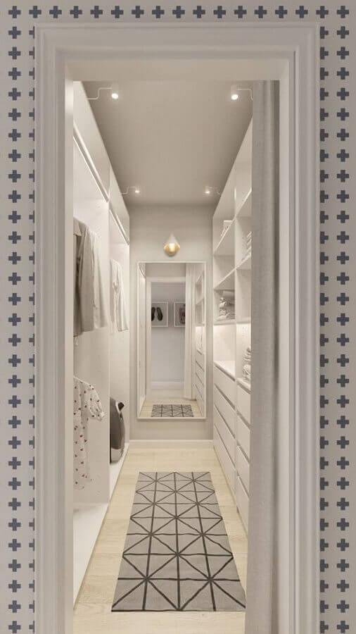 tapete cinza para decoração de closet planejado todo branco Foto Home Designing