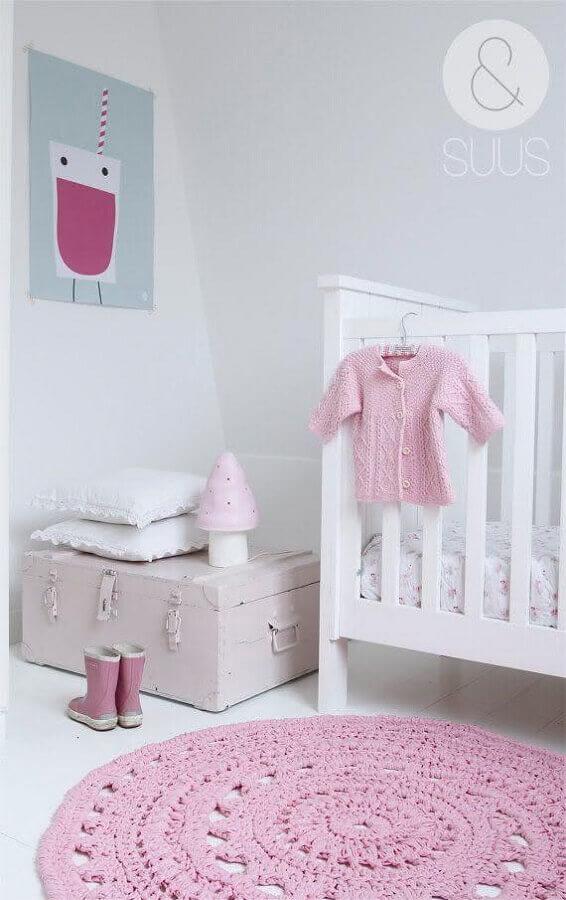 tapete de crochê para quarto de bebê feminino branco e rosa Foto Archzine