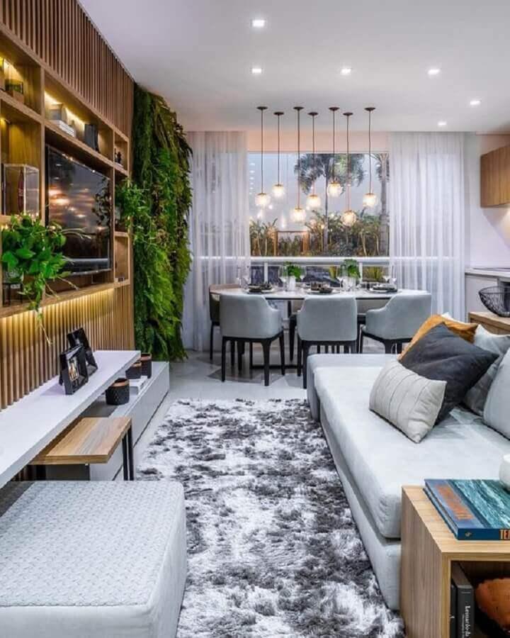 tapete felpudo cinza para decoração de sala de estar moderna planejada Foto Archello