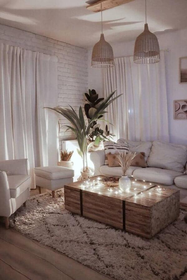 tapete felpudo para sala toda branca decorada com parede de tijolinho Foto Pinterest