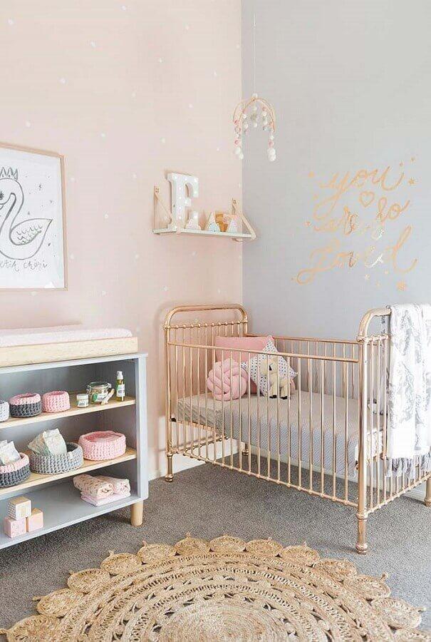 tons pastéis para decoração de quarto de bebê simples e bonito com berço de ferro Foto Ideias Decor
