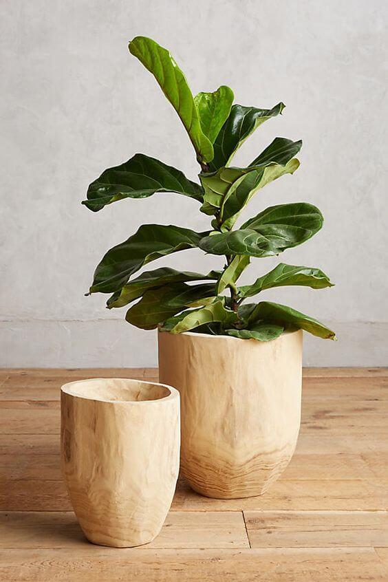 Vaso grande de madeira para plantas