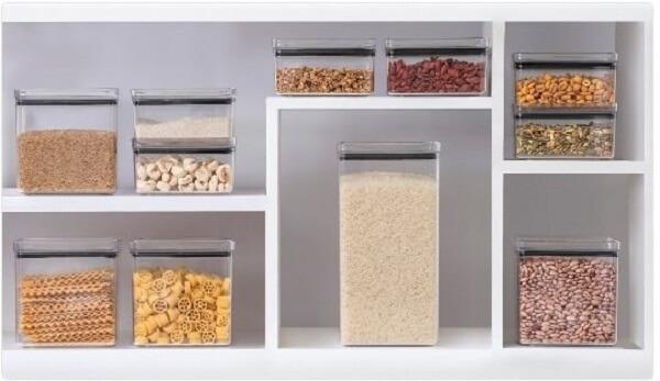 O pote hermético confere alto poder de conservação de diferentes alimentos