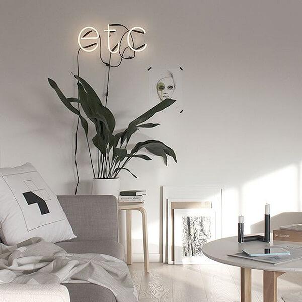 Modelo de letreiro luminoso neon discreto decora o espaço