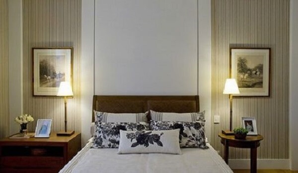 Utilize diferentes modelos de criado mudo no seu dormitório