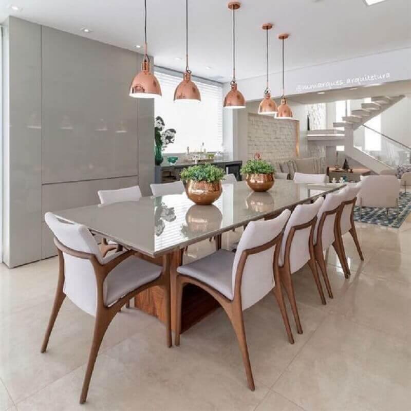 acabamento em rose gold para vasos decorativos para mesa de jantar Foto iCasei