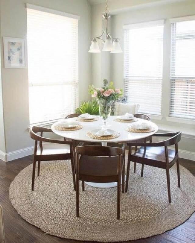 arranjos de flores para vasos de cristal para mesa de jantar Foto West Elm