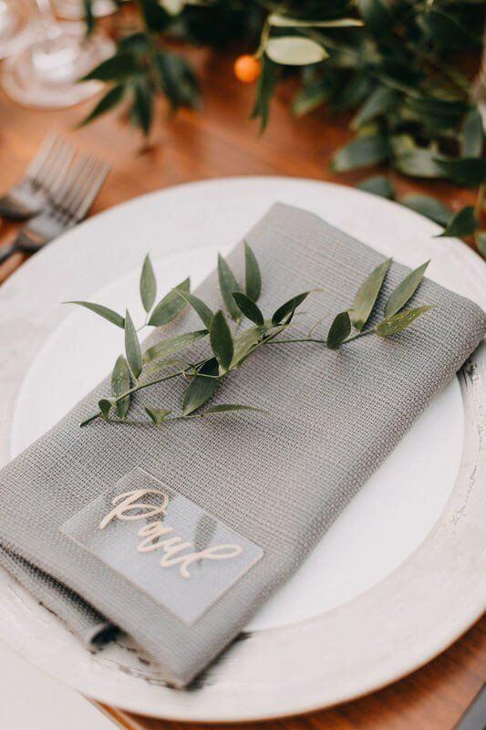 Aprenda como dobrar guardanapo de pano para sua mesa de jantar moderna