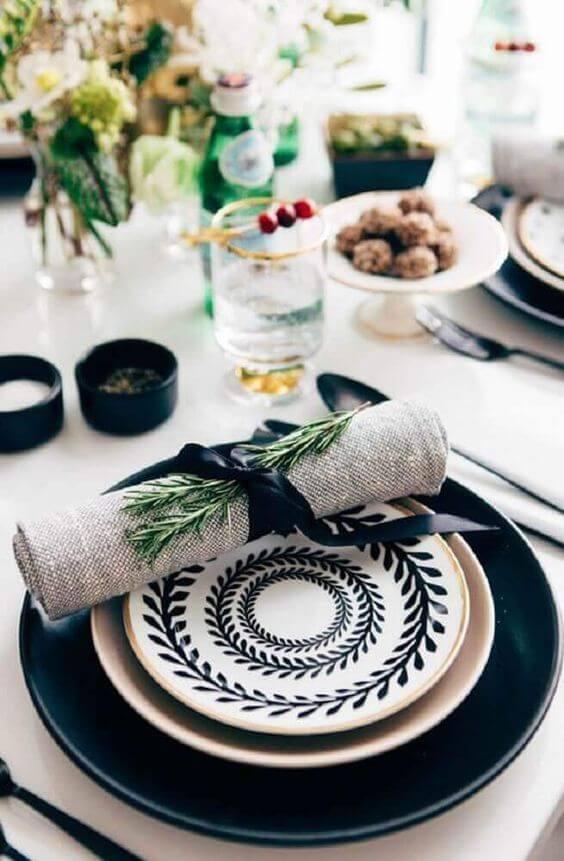 Aprenda como dobrar guardanapo para sua mesa moderna
