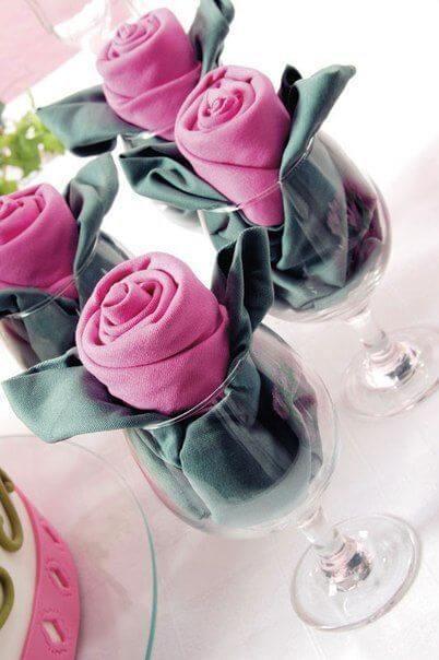 Como dobrar guardanapo de pano no copo