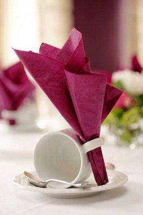 Escolha um guardanapo para decorar a mesa de jantar
