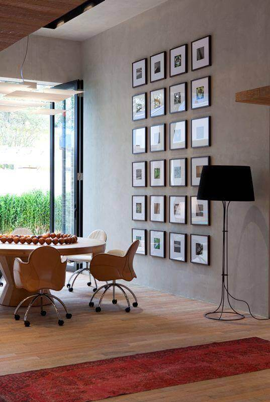 composição de quadros na parede de sala de jantar moderna Foto Pinterest