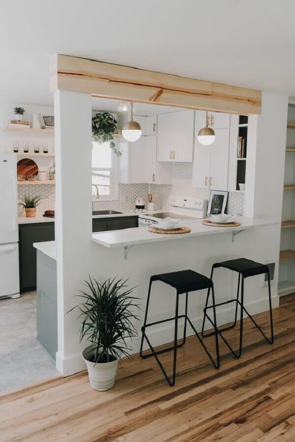 cozinha em U pequena com armários planejados Foto Pinterest