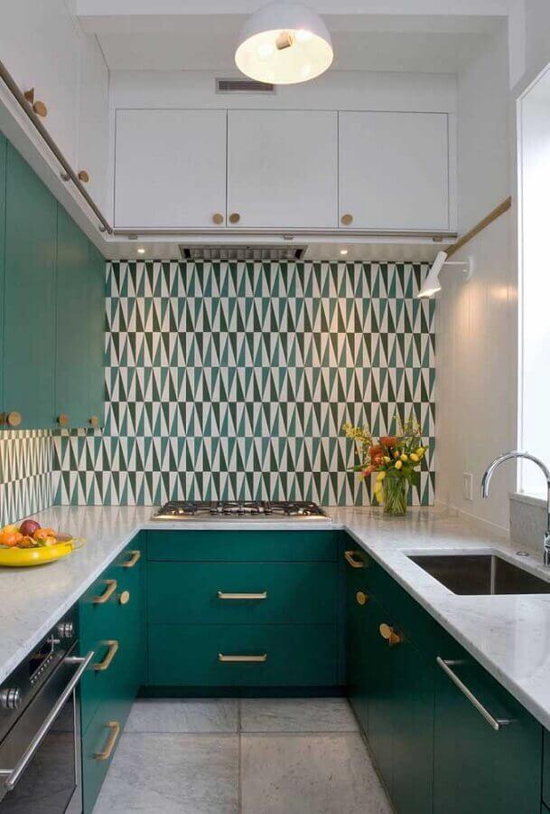 cozinha pequena em U verde e branca Foto Pinterest