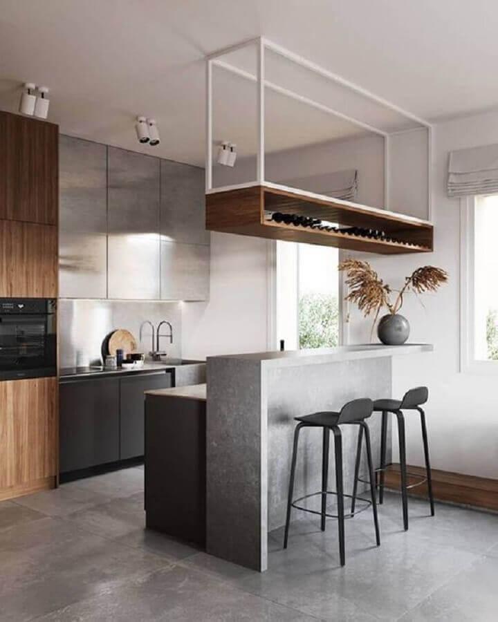 cozinha planejada moderna decorada com prateleira suspensa com adega Foto Pinterest